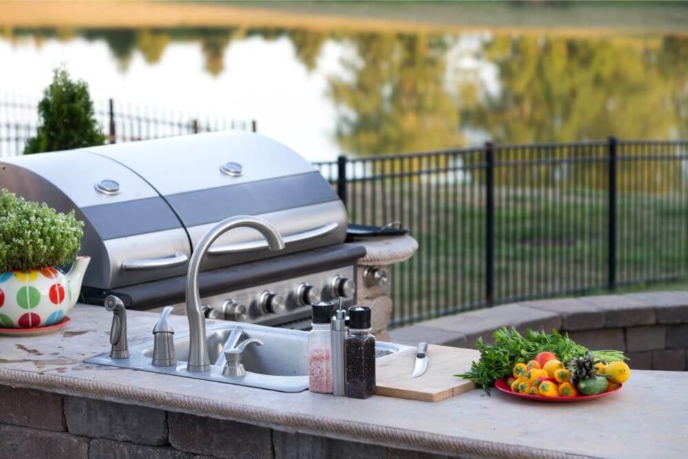 Great Ideas For Upgrading Your Outdoor Kitchen