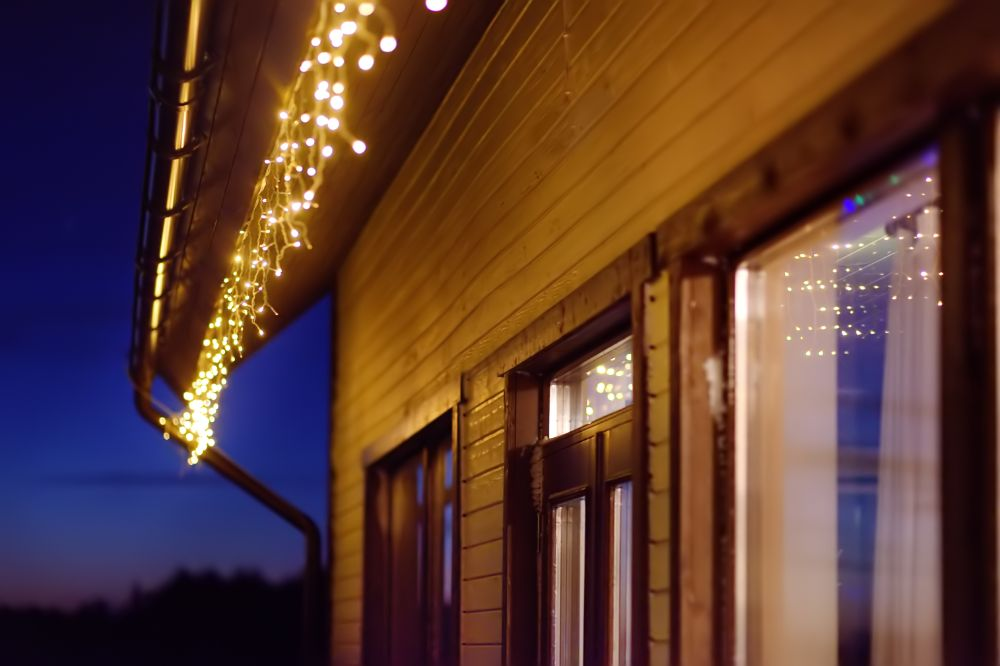 How To Use Lights To Decorate Your Porch