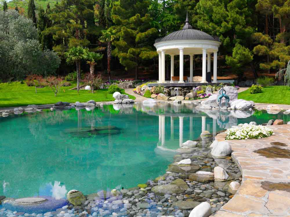Popular Water Feature Trends That Are Still Going Strong
